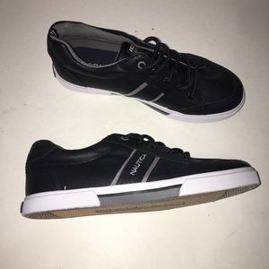 Nautica Hull Youth Sneaker Black Size 5